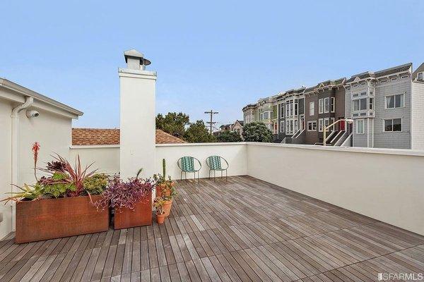 Roof Deck with adjustable deck pedestals Photo 5 of Coleridge Residence modern home