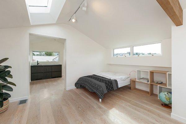 Top Floor Suite -Bedroom Photo 13 of Coleridge Residence modern home