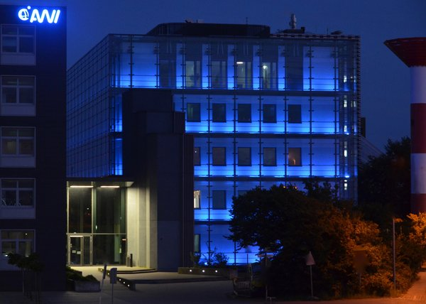Modern home with office. The AWI Institute illumintated by night Photo 6 of AWI Institute for polar and marine research