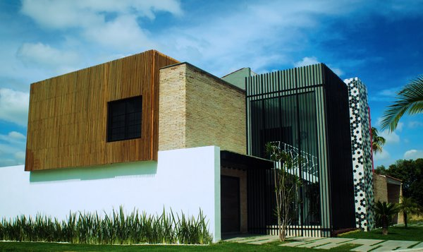 Main entrance perspective Photo 2 of XAHUENTLA HOUSE modern home