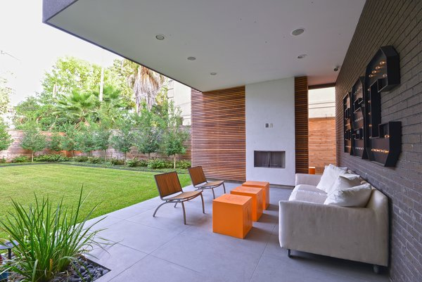 Outdoor Patio Photo 12 of Upper Kirby modern home