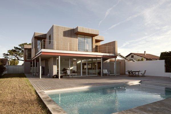 Photo 2 of R-House modern home
