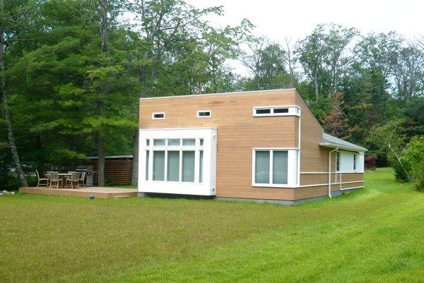 Lake side view Photo 2 of Jureller Lake House modern home