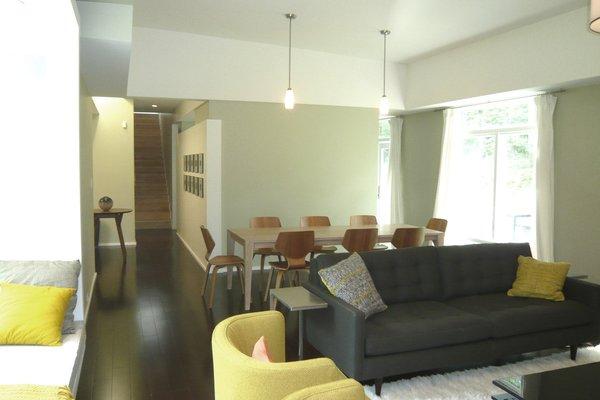 Photo 12 of Scarpa Residence modern home