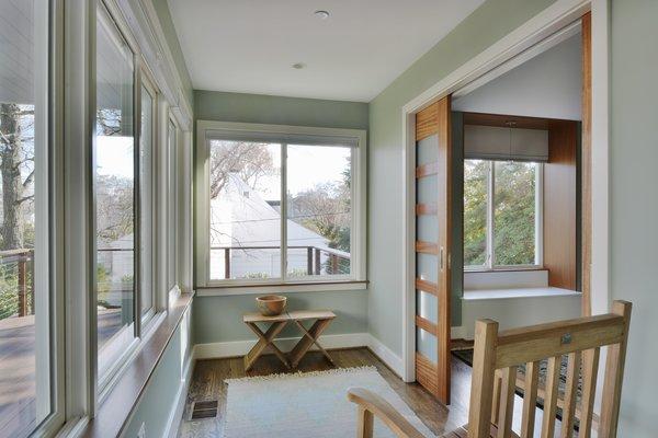 Photo  of Cove Overlook modern home