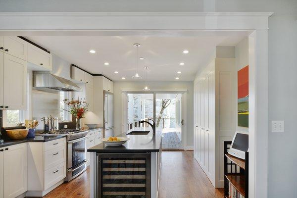 Photo 7 of Cove Overlook modern home