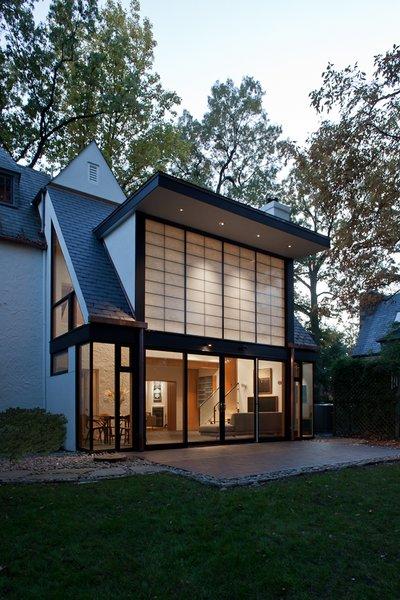 Photo  of Sixties Solarium modern home