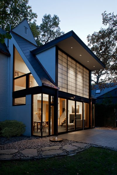 Photo 2 of Sixties Solarium modern home