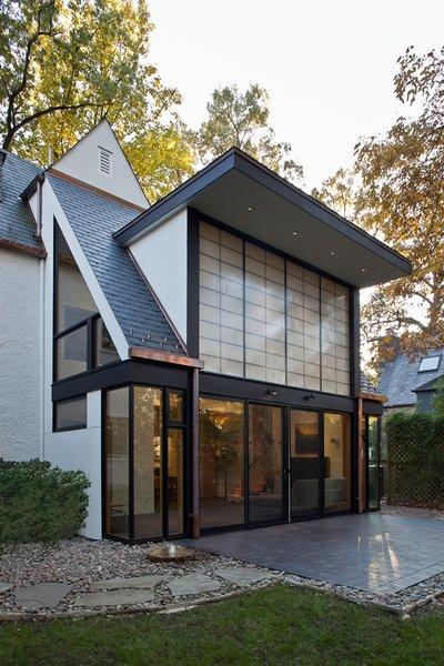 Photo 3 of Sixties Solarium modern home