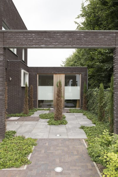 patio Photo 4 of House Vlijmen modern home