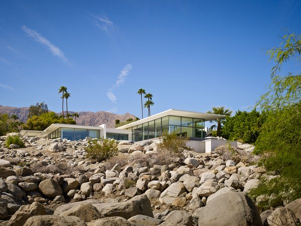 Front View Photo 2 of Palm Springs House modern home