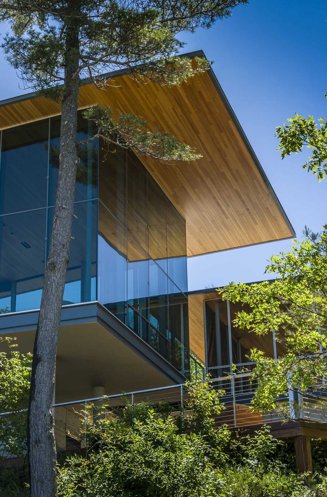 Overhang Detail  Beverly Shores Residence by Booth Hansen