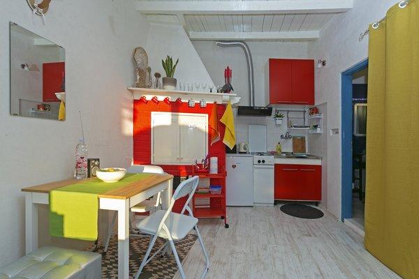 Photo 11 of Beachside Bungalow Studio modern home
