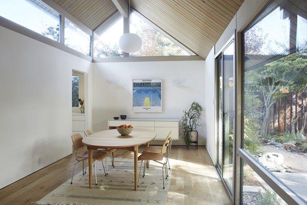 Photo 3 of Greenwood House modern home