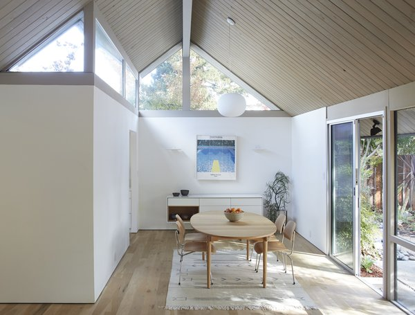 Photo 4 of Greenwood House modern home