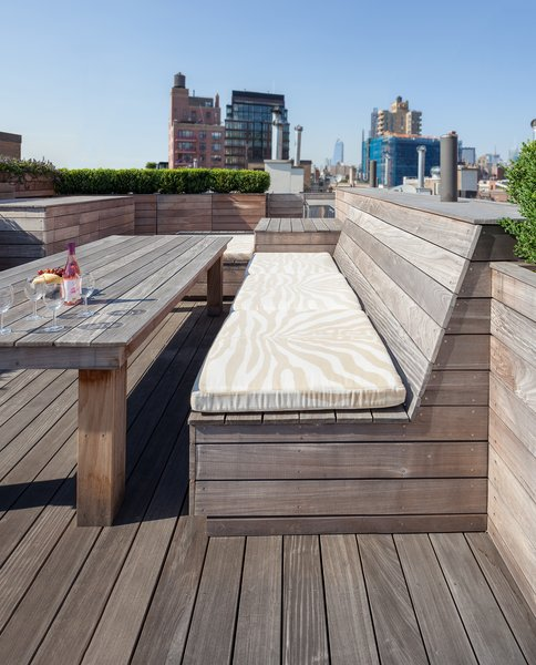 Photo  of Ipe Roof modern home