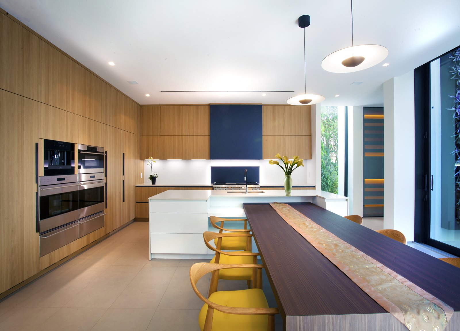 Kitchen Allison Road Residence by Choeff Levy Fischman