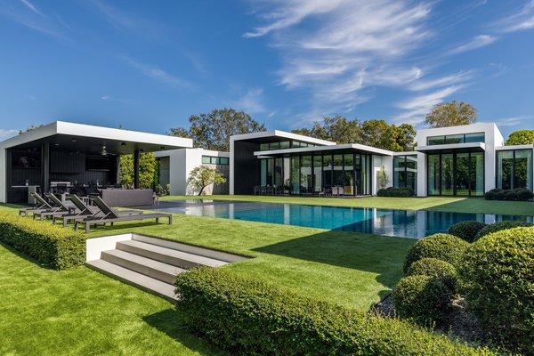 The South Florida residence is located on 1.5 acres of land and measures close to 12,000 square feet. Photo 10 of Ponce Davis Residence modern home