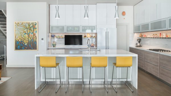 Open kitchen with bar. Photo 16 of Artistically Modern modern home