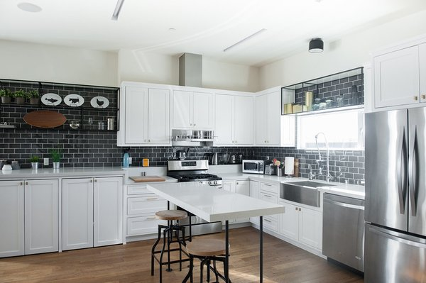 Modern home with kitchen. Photo 4 of A Serenity Escape in Joshua Tree
