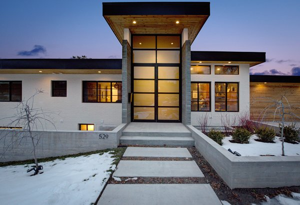 Entrance  Photo-Aaron Shaw Photo  of 529 Avenues Residence modern home