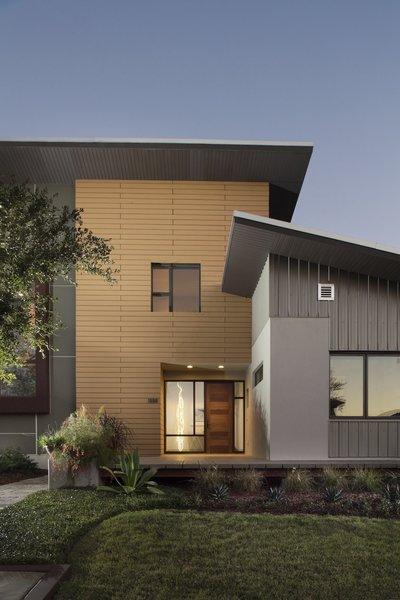 Exterior front facade Photo 13 of 1600 Lakeside modern home