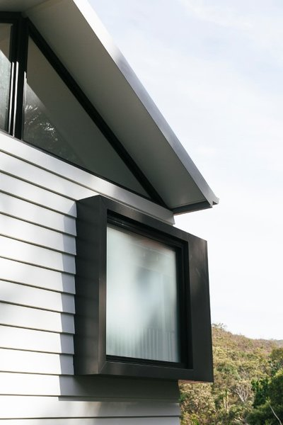 Pop out window detail Photo 10 of The Narrow House modern home