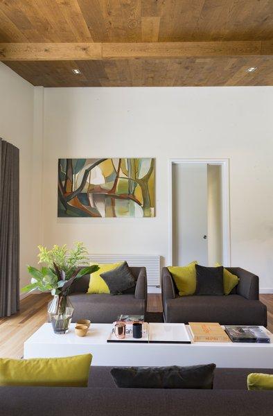 Mie Century reception room Photo 5 of Birdham modern home