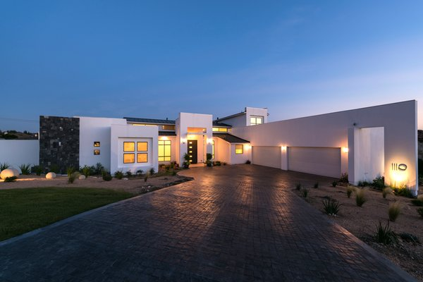 FRONT FACADE NIGHT VIEW Photo 2 of ORVANANOS HOUSE modern home