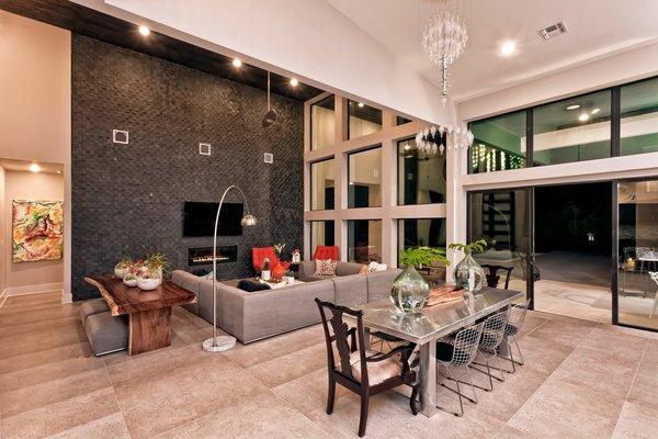 LIVING BREAKFAST Photo 10 of BHAKTA HOUSE modern home