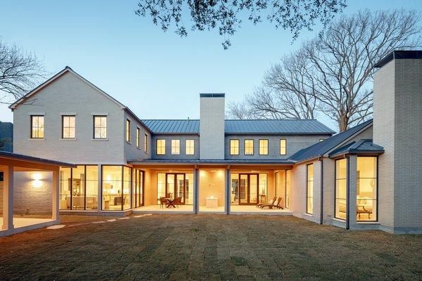 Photo  of 6322 Prestonshire Lane modern home