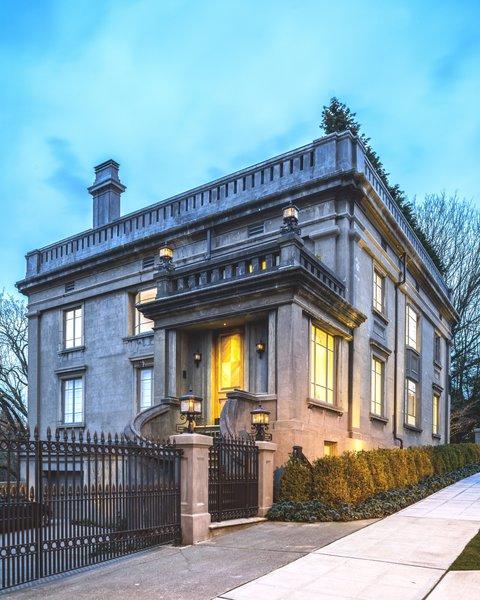 Duchess Mansion, Exterior Photo  of Duchess Mansion modern home