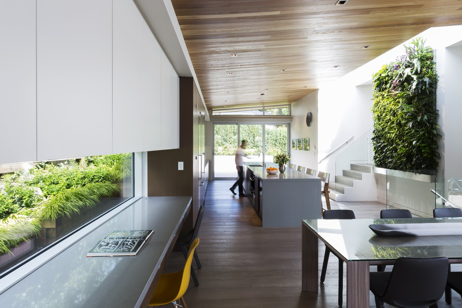 Garden Wall Residence, kitchen and dining  Garden Wall Residence by Garret Cord Werner