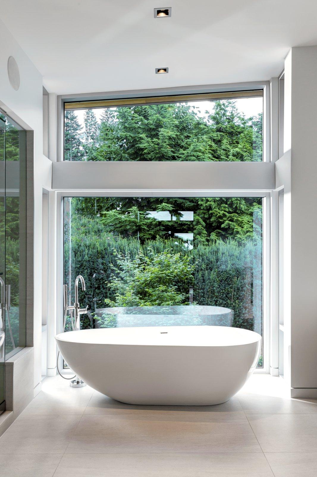 Garden Wall Residence, master bathtub  Garden Wall Residence by Garret Cord Werner