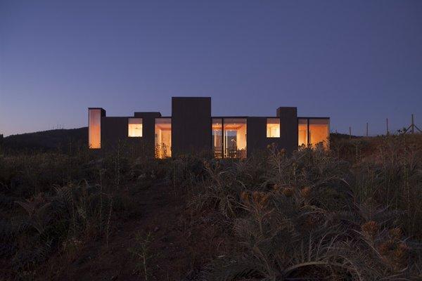 Photo 4 of Leyda House modern home