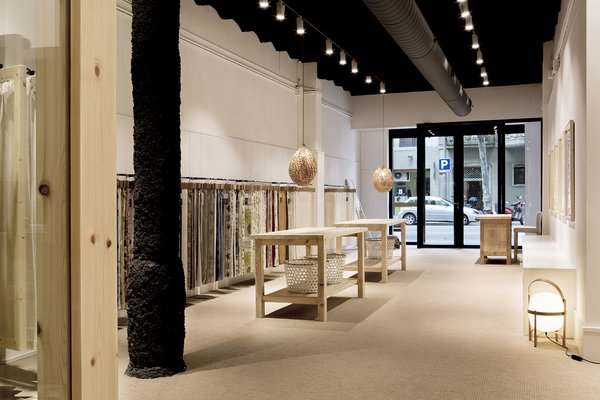 Photo 2 of Textil Showroom modern home