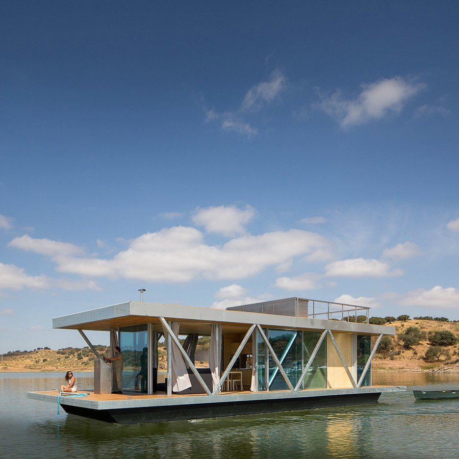 A team from the University of Coimbra in Portugal designed 'Floatwing' 10 Modern Floating Homes That Offer an Aquatic Lifestyle - Photo 5 of 11