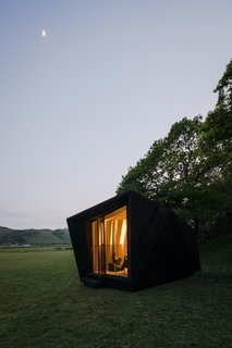 Tour One of Epic Retreat's Tiny Pop-Up Hotel Cabins in the Welsh Countryside - Photo 3 of 10 -