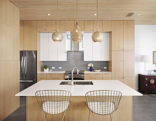 Kitchen Photo 2 of Lakeshore Residence modern home