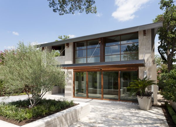 Exterior Photo  of Meriden Residence modern home