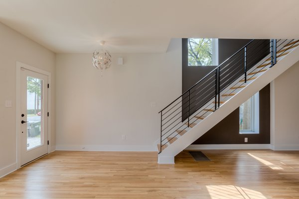 Photo 5 of urban infill row house in historic church hill modern home