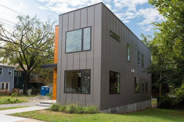 Photo 3 of urban infill row house in historic church hill modern home