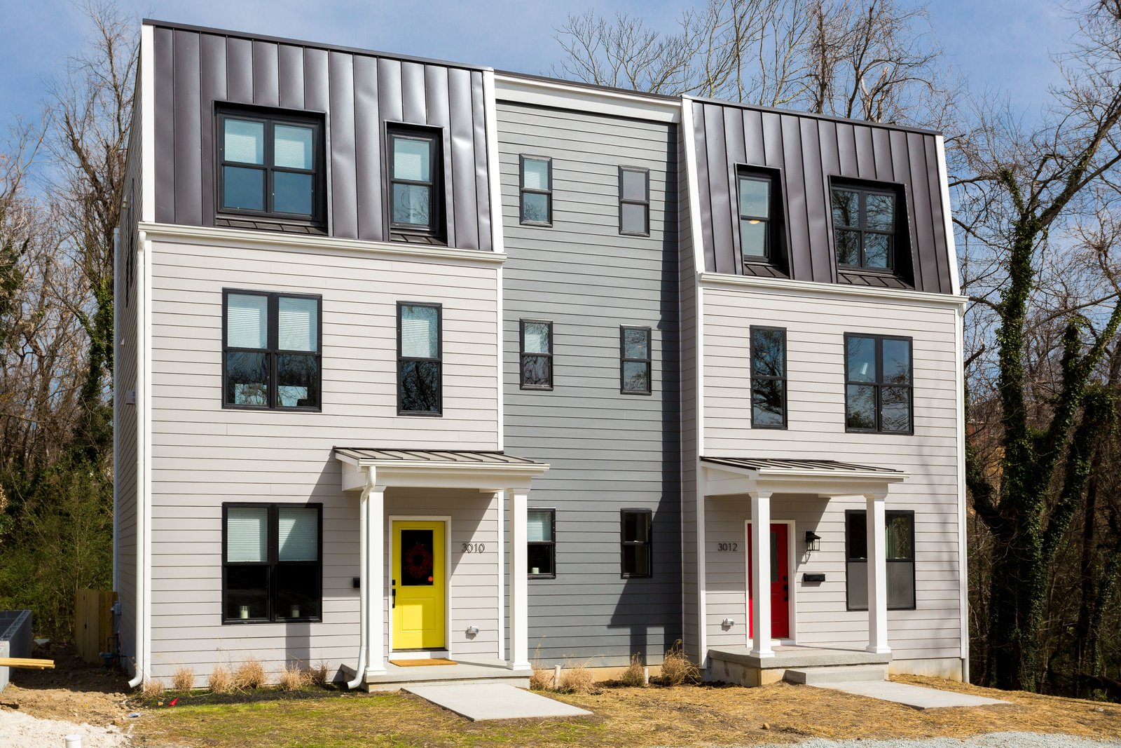 Photo 5 of 11 in Slim Is in For These 10 Skinny Homes from sugar bottom RVA | urban infill on libby hill
