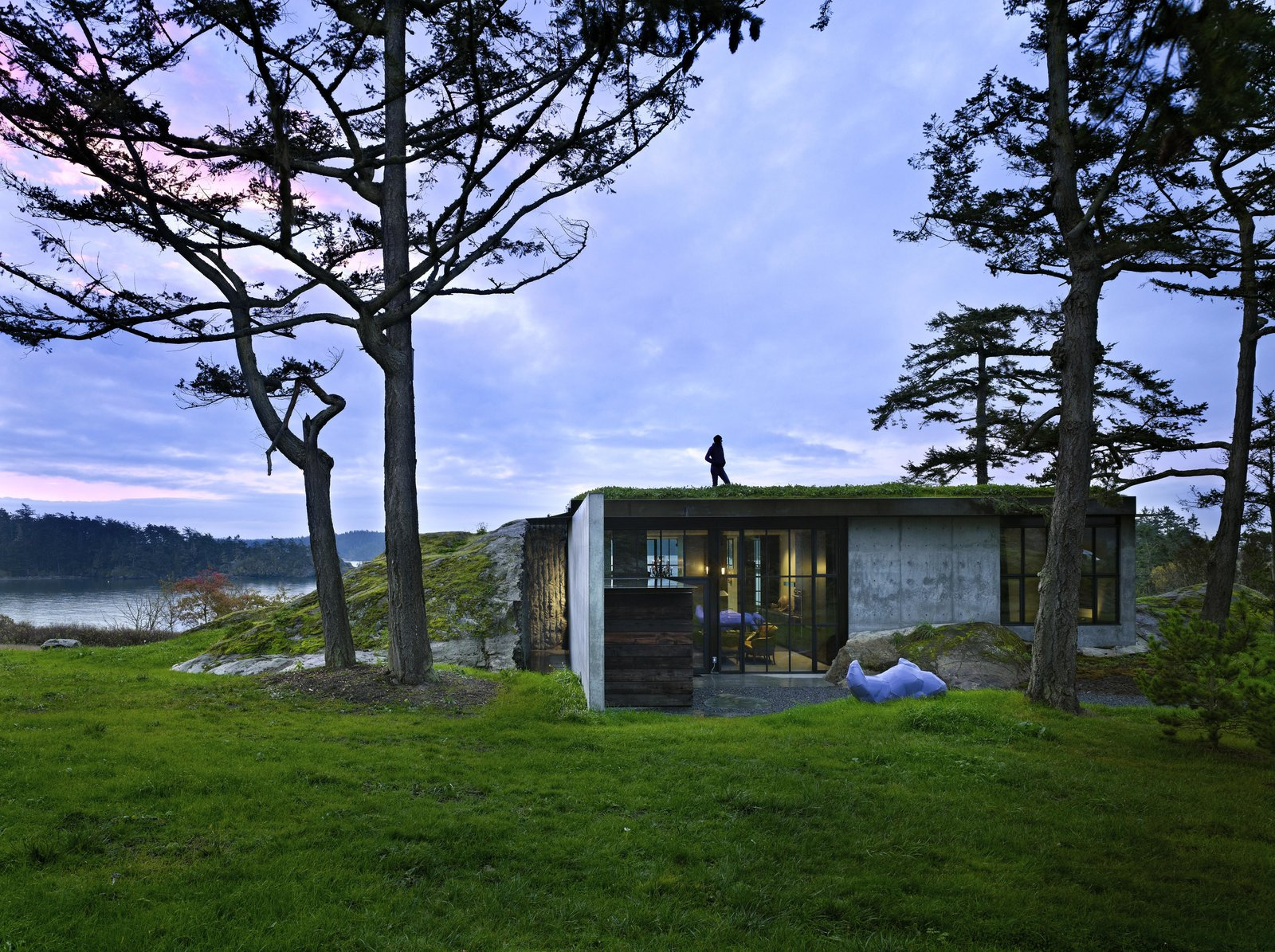 The Pierre | Olson Kundig Tagged: Exterior, House, Flat RoofLine, Green Roof Material, Glass Siding Material, and Concrete Siding Material.  The Pierre by Olson Kundig