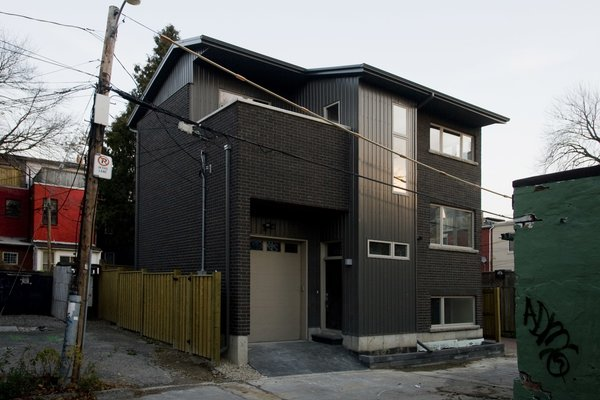 Modern home with outdoor and hardscapes. Laneway Loft - Exterior Photo 8 of Laneway Loft