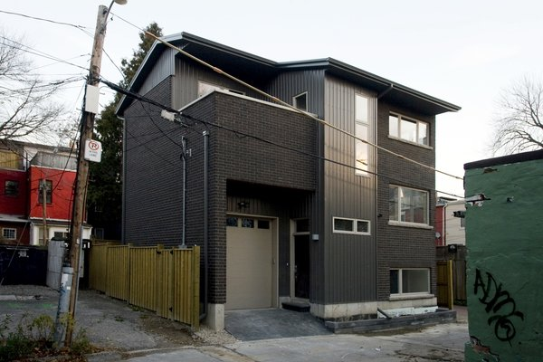 Modern home with outdoor and hardscapes. Laneway Loft - Exterior Photo 11 of Laneway Loft