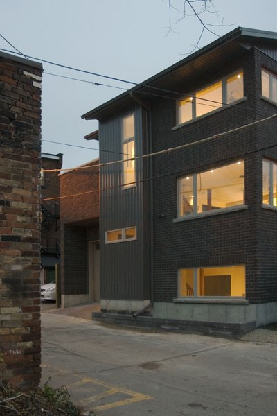 Modern home with outdoor and hardscapes. Laneway Loft - Exterior Photo 12 of Laneway Loft