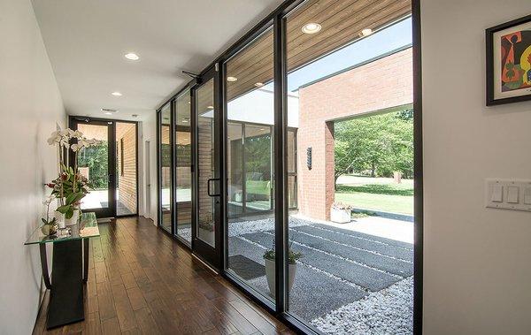 Photo 8 of Gutierrez Residence modern home