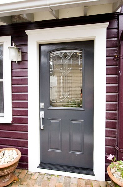 New front door allowed light to flood the apartment. Photo  of Asian Bungalow - Garden Apartment modern home