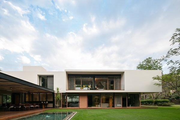 Photo 4 of Casa GP modern home